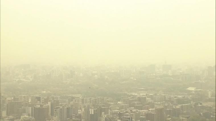 Мешканців Кореї та Японії просять не виходити на вулицю: країни накрила пилова буря
