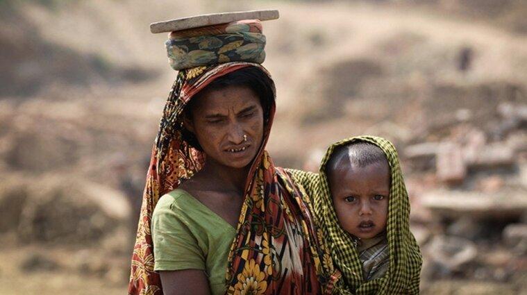 В Індії хлопця, який хотів зґвалтувати дівчину, змусили прати і прасувати одяг усіх жінок селища
