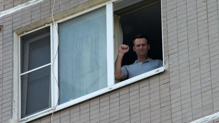 Российские офицеры были у Навального, когда его отравили - отчет спецслужб