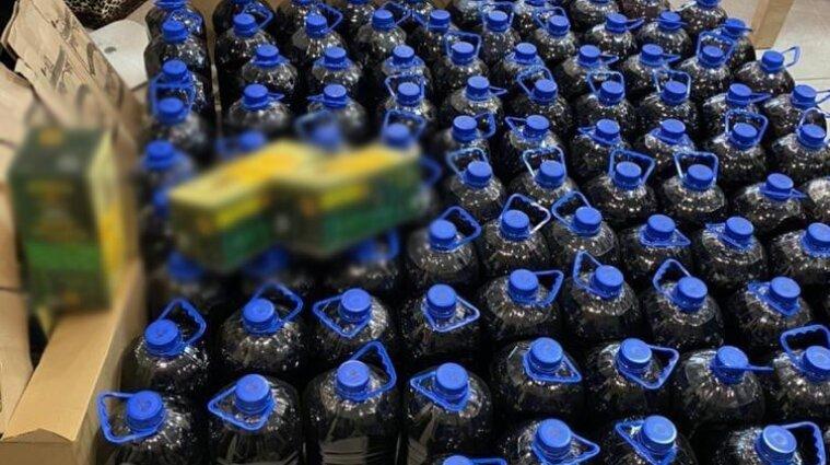 Работники госпредприятия НАН Украины производили фальсифицированный алкоголь - фото