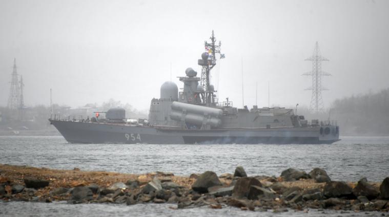 У Чорне море увійшли 15 російських військових кораблів