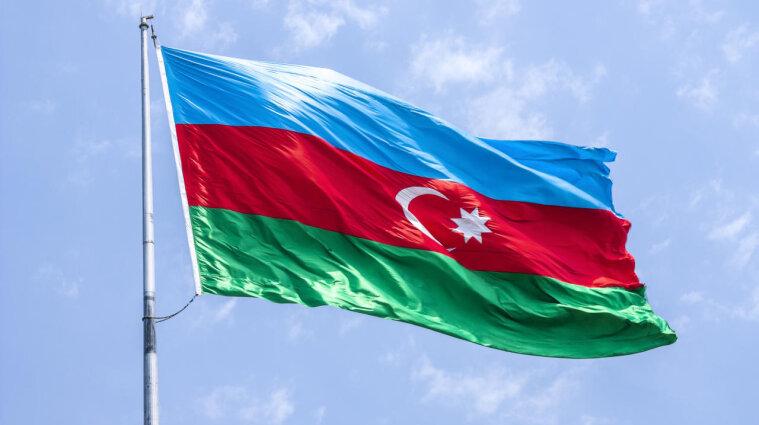 Азербайджан отменяет военное положение, введенное в сентябре