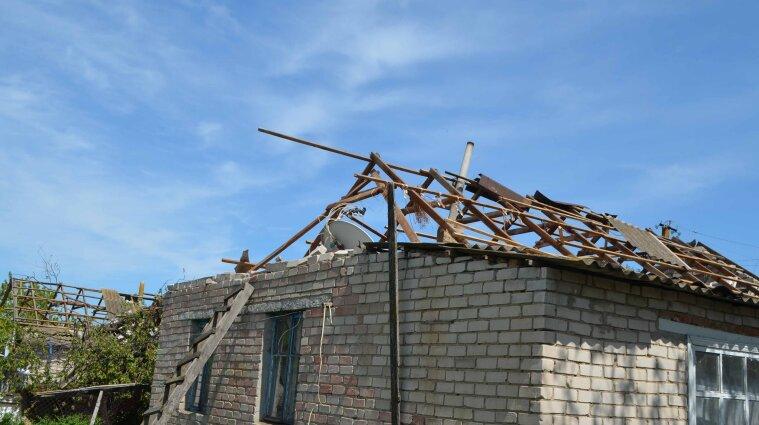 Погода в Украине: без света 23 населенных пункта, затопило дома, улицы и больницу