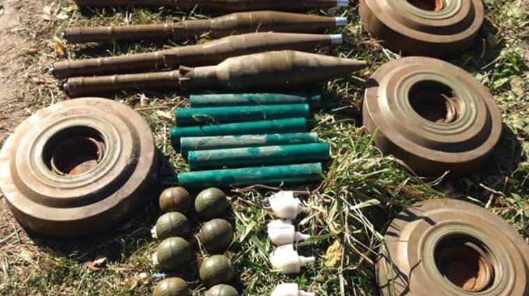 Боевики планировали диверсию на Луганщине: СБУ накрыла схрон с минами - фото