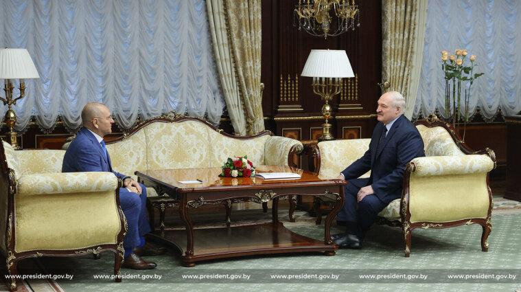 """Нардеп від """"Слуги народу"""" зустрівся із Лукашенком у Білорусі - відео"""