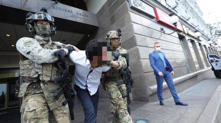 Чоловіка, який погрожував підірвати банк у Києві, відправили на примусове лікування