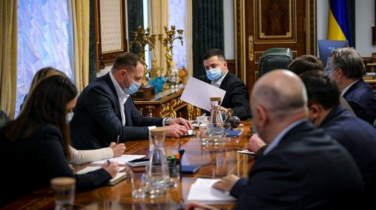 Шмигаль розповів Зеленському, як живеться українцям на карантині