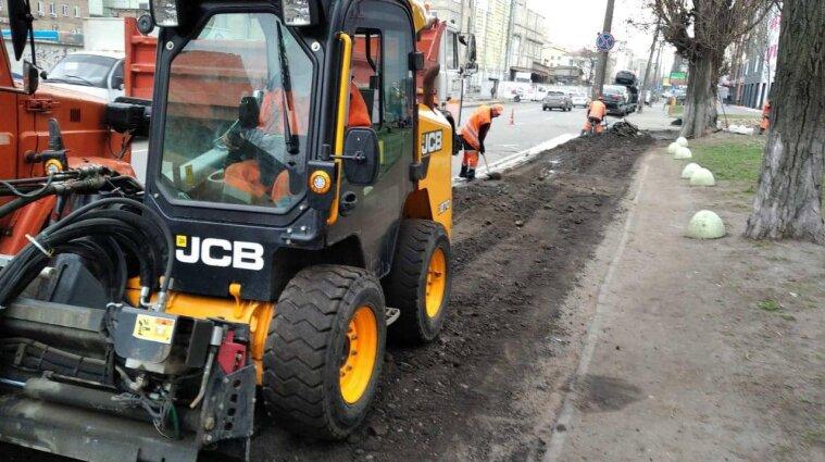 На двох ділянках доріг у Києві обмежать рух транспорту