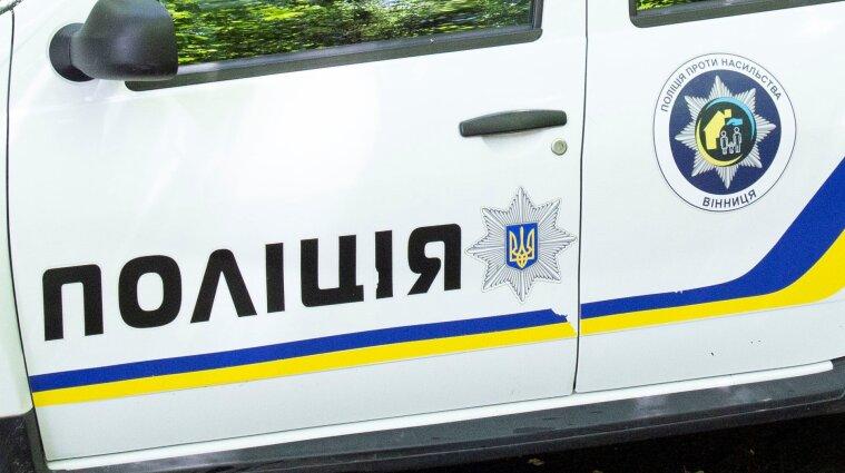 Полицейские на Закарпатье на АЗС грубо обращались с девушкой - видео