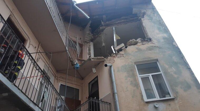 У Львові стався вибух у трьохповерховому будинку: є постраждалі