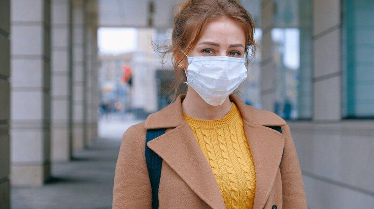 В Україні за добу коронавірус підхопили понад три тисячі людей