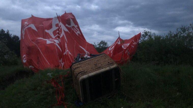 В Хмельницкой области упал воздушный шар с шестью людьми: есть погибший