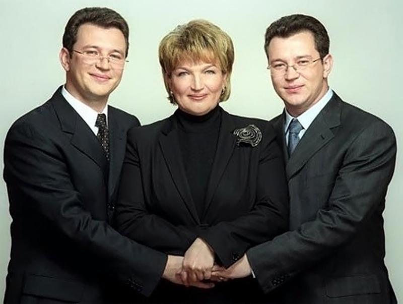 Раиса Богатырева с сыновьями