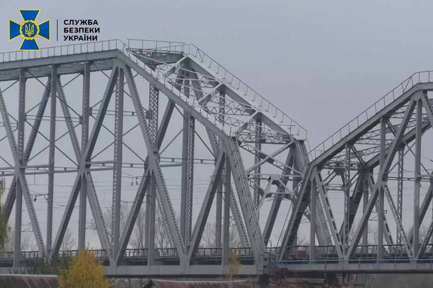 Хищение средств в Укрзализныце, предназначенные на капитальный ремонт моста