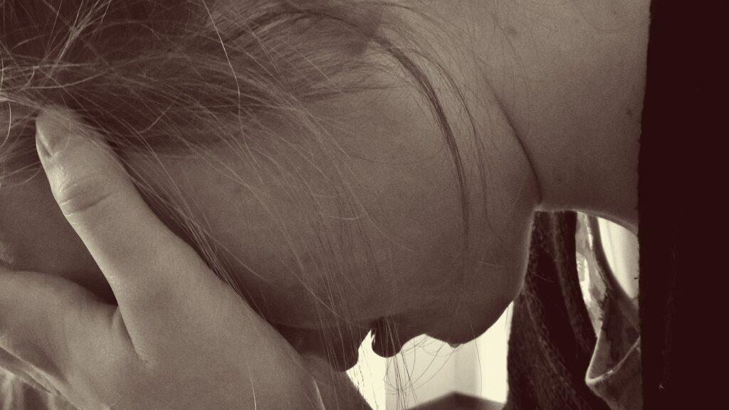 самогубство, суїцид, сум, відчай