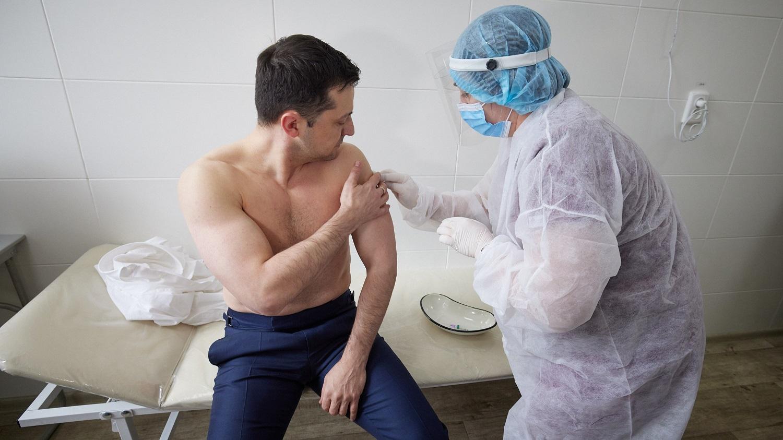 Президент вакцинувався від коронавірусу