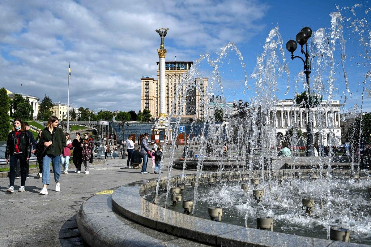 Киев, Майдан Независимости, фонтан